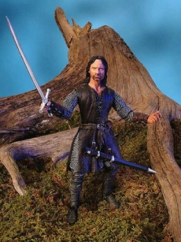 Helm´s Deep Aragorn, with Sword-Slashing Action